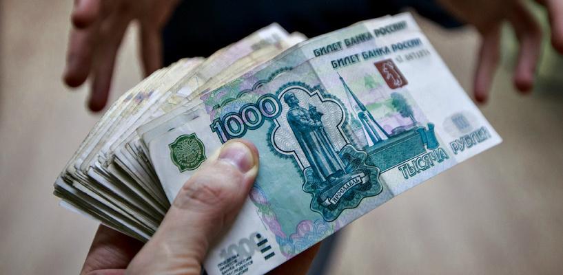 В Омске бывших полицейских посадили в колонию за взятки от мигрантов