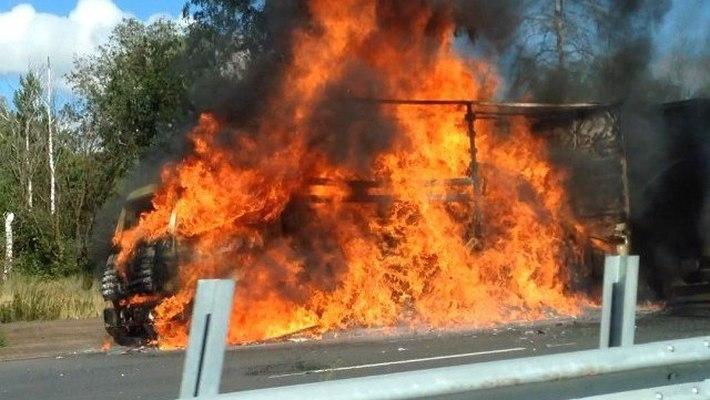 В Омской области сгорела целая фура валенок