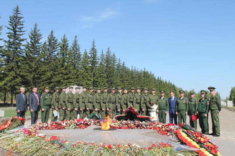 Омичи отправились в Москву защищать Путина