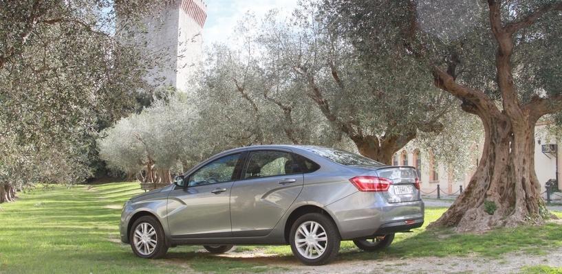 Не халява: АвтоВАЗ раскрыл цены на Lada Vesta