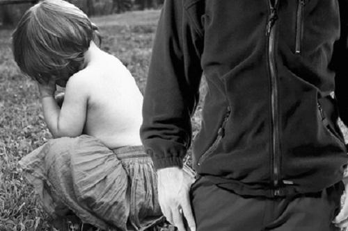 В Омской области пенсионер насиловал собственную 10-летнюю внучку