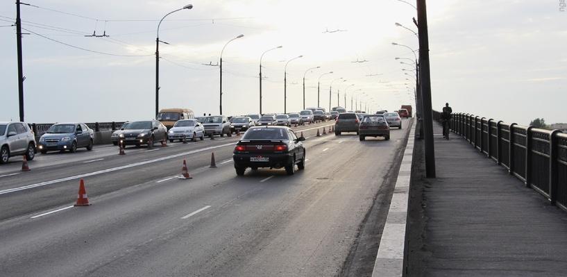 Омич сбросился с Ленинградского моста