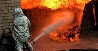 В Омске пожар в гараже по Серова потушен