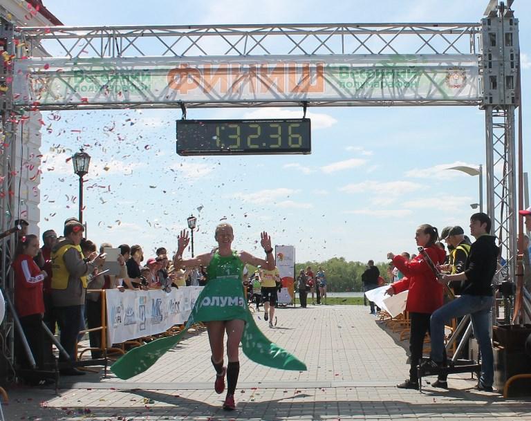 Победу в Весеннем полумарафоне завоевала омичка Марина Ковалева