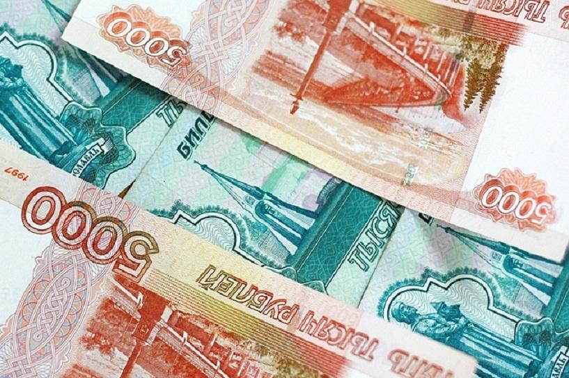 Дефицит федерального бюджета приблизился к триллиону рублей
