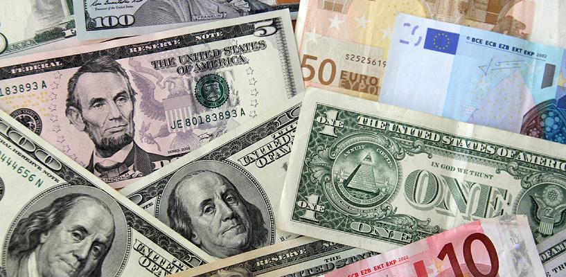 Майские рекорды: курс евро вырос до 62 рублей, доллар стоит 55