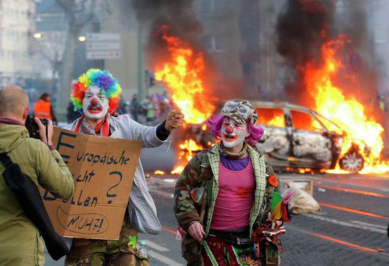 Жгут машины и покрышки: европейские леворадикалы устроили погромы возле штаб-квартиры ЕЦБ
