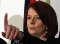 В премьер-министра Австралии бросили сэндвич: она не поймала
