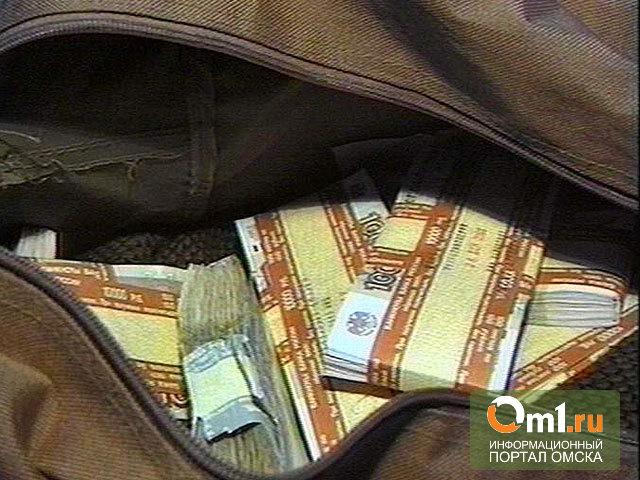 В Омске из Land Cruiser'а бизнесмена украли больше миллиона рублей