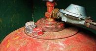 В Омске угнанная «шестерка» загорелась из-за взрыва газового баллона