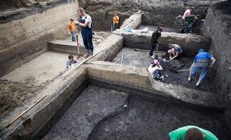 """В Омске возле санатория """"Восход"""" археологи откопали улицу второго тысячелетия до нашей эры"""