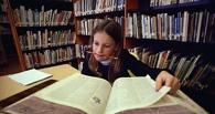 Двое омских школьников сдали ЕГЭ по литературе на 100 баллов
