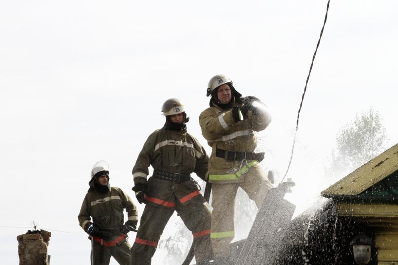 В Омске сгорел частный дом (фото)