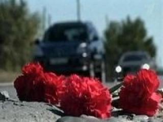 К месту гибели велосипедистки омичи начали приносить цветы