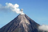 На Филиппинах из-за извержения вулкана погибли пять человек