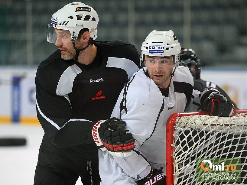 Омские хоккеисты готовятся ко встрече с «Ак Барсом»