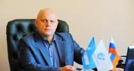 Губернатор Омской области смотрел «прямую линию» с президентом под портретом Владимира Путина