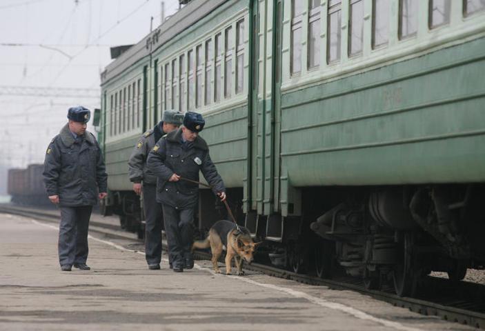 Томич «заминировал» отправляющийся из Омска поезд, чтобы на него успела подруга
