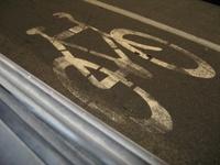 На российских дорогах появятся полосы для велосипедистов