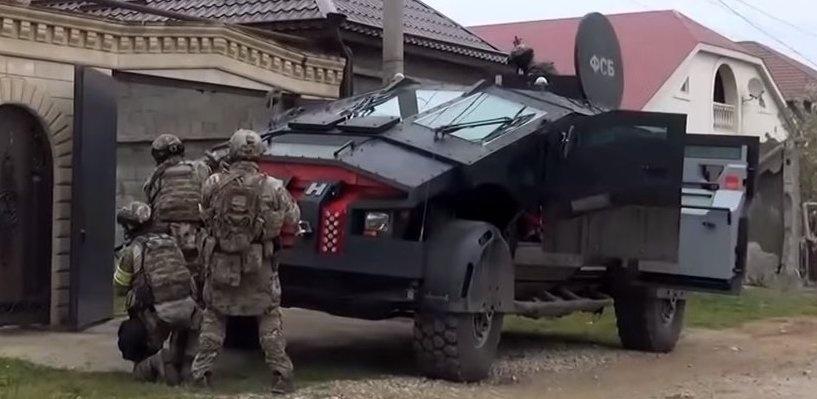Бэтмобиль на службе ФСБ: бороться с террористами вышла новая российская бронемашина