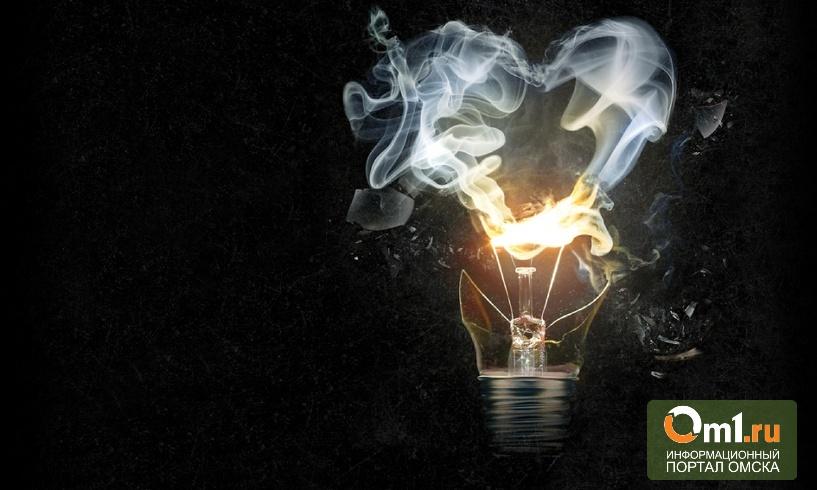 В Омске из-за замыкания электросчетчика загорелась девятиэтажка