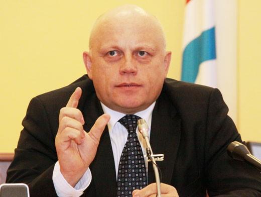 Виктор Назаров: дороги в Омской области ремонтировали по остаточному принципу
