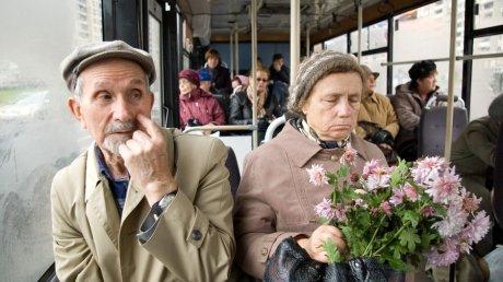 Омская мэрия все-таки закрывает 9 маршрутов садовых автобусов