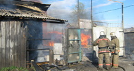 В Омске жильцы барака сами потушили пожар