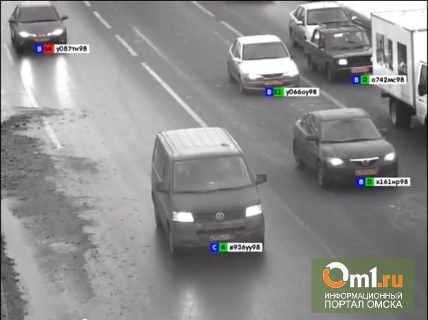 Омские автолюбители больше всего нарушают ПДД на Ленинградском мосту