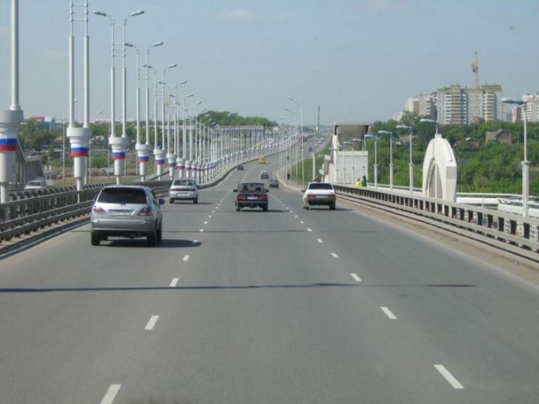 В центре Омска у метромоста новая дорога соединит улицы Добровольского и Булатова
