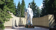 Московский ветеран пожертвовал 100 тысяч на мемориал в Омской области