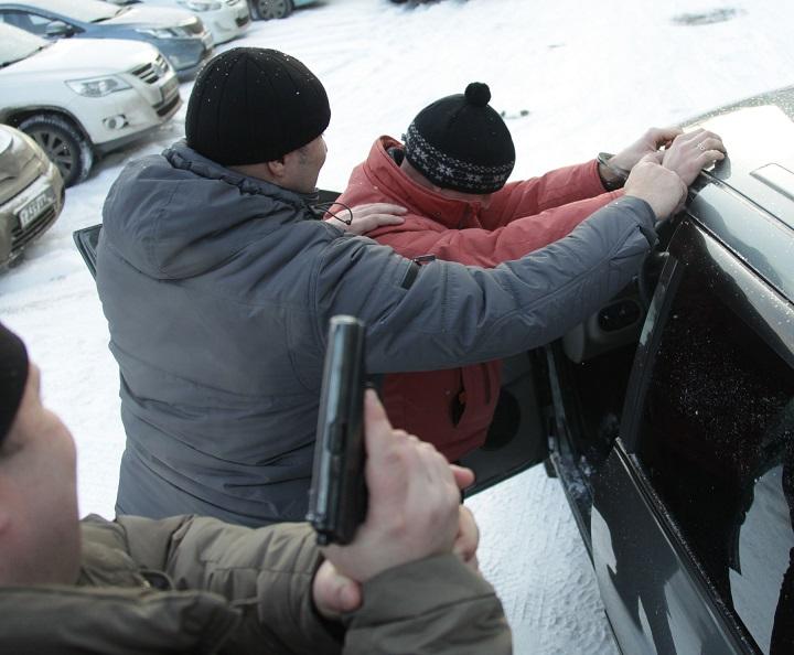 Омский Госнаркоконтроль перекрыл канал поставки наркотиков из Казахстана