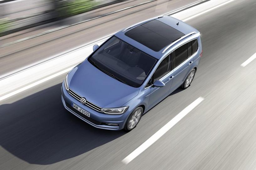 Семь мест и «Гугл»: Volkswagen будет продавать в России минивен Touran