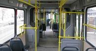 В Омске из-за резкого торможения в автобусе упал 6-летний мальчик