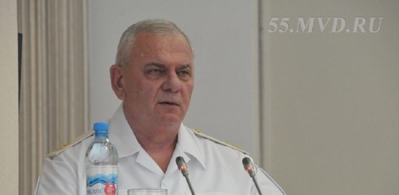 Экс-начальник омской полиции Томчак перед отставкой попрощался с коллегами