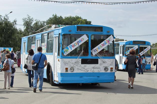 Юные омичи снова раскрасят городские троллейбусы