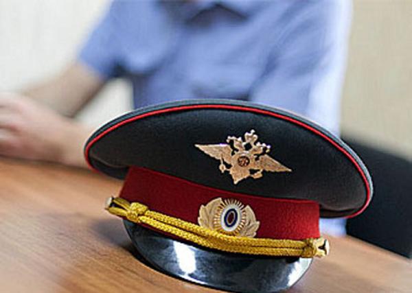 В Омске будут судить мужчину, который изрезал лицо полицейскому