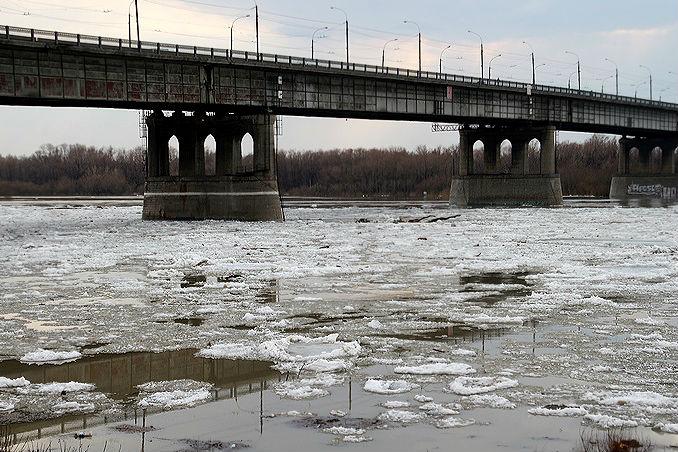 В Омске в выходные начался ледоход