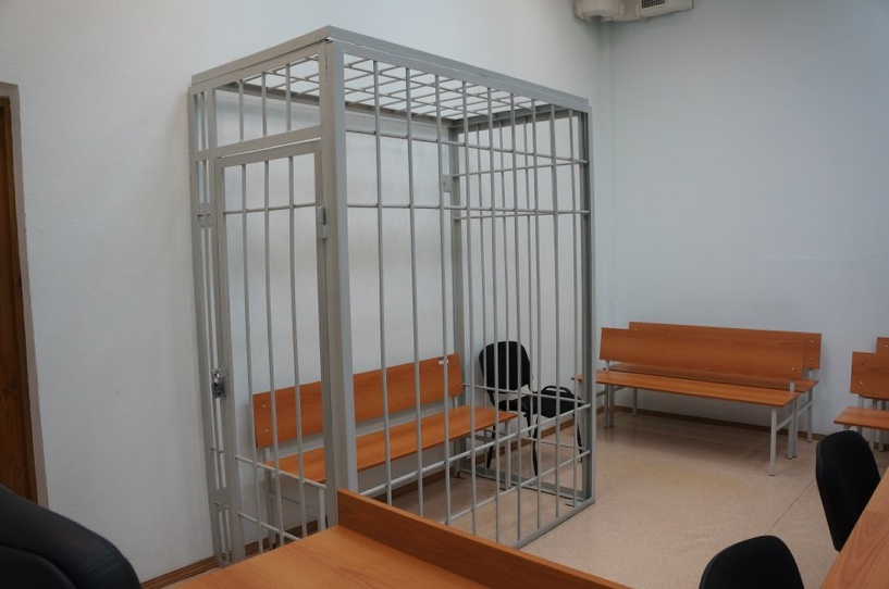 Омич, который выбросил сына в окно, сядет на скамью подсудимых