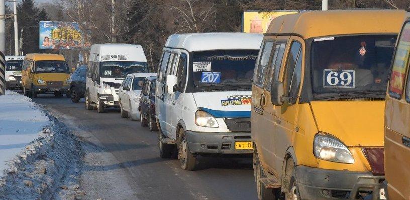 Водители маршруток не хотят возить омичей в Рябиновку