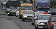 Пробки в Омске: фура парализовала движение на проспекте Королева