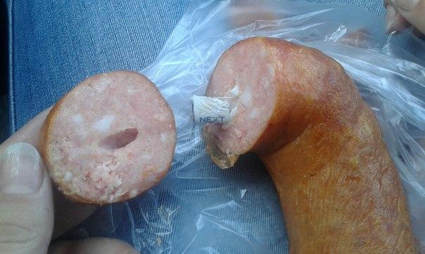 Прокололись: СМИ решили, что казахстанская колбаса с окурком внутри — омская