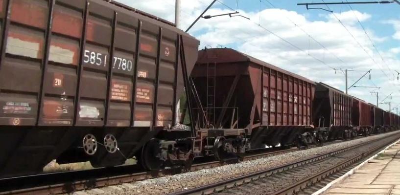 Омские подростки проехали на грузовом поезде 140 километров