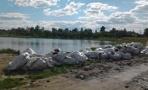 Мусор у Соленого озера в Омске могли привезти с реконструкции цирка