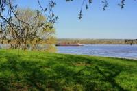 ЛДПР предлагает давать россиянам по одному гектару земли