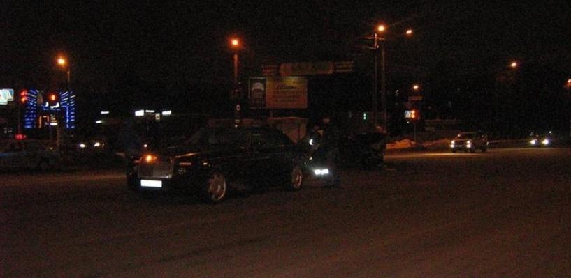 Житель Челябинска на отечественном ВАЗе протаранил Rolls-Royce Phantom