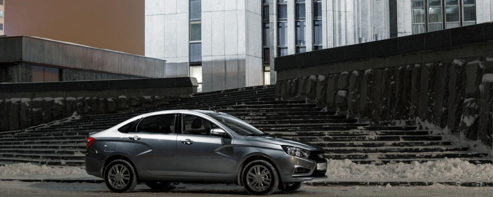 Первая кровь: скрипы, стуки и дебютный визит на сервис с Lada Vesta