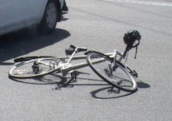 В Омске автоледи сбила 13-летнего велосипедиста
