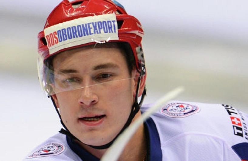 «Черная полоса продолжается»: хоккеисту сборной РФ наложили 17 швов после матча со словаками