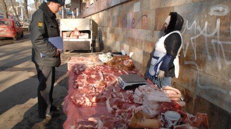 В Омске торгующим мясом предложили арендовать места на Ленинском рынке